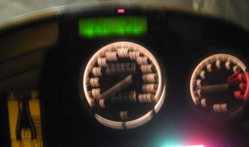 Klokken er syv, to grader, halvfull tank, og 1150 rpm på tomgang.  Vi er klar!